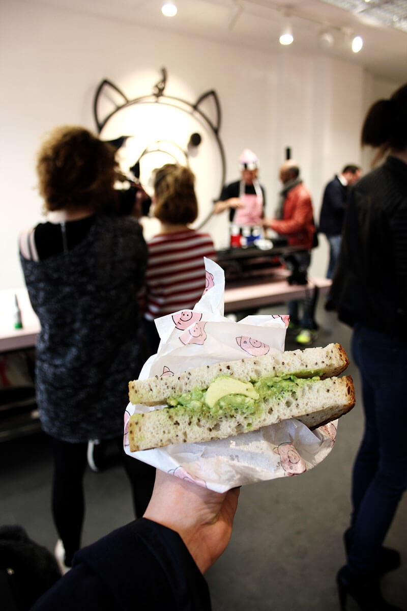 Veganes Avocado Sandwich in Berlin Neukoelln