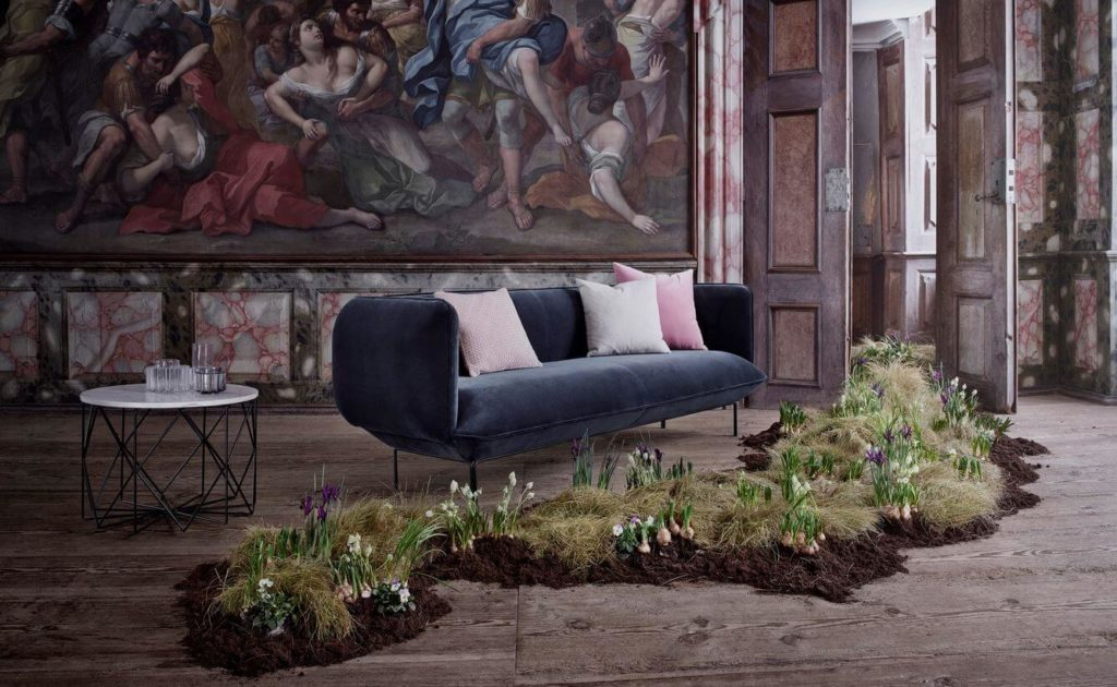 Stilvolle Design Couch von Bolia in samtblau