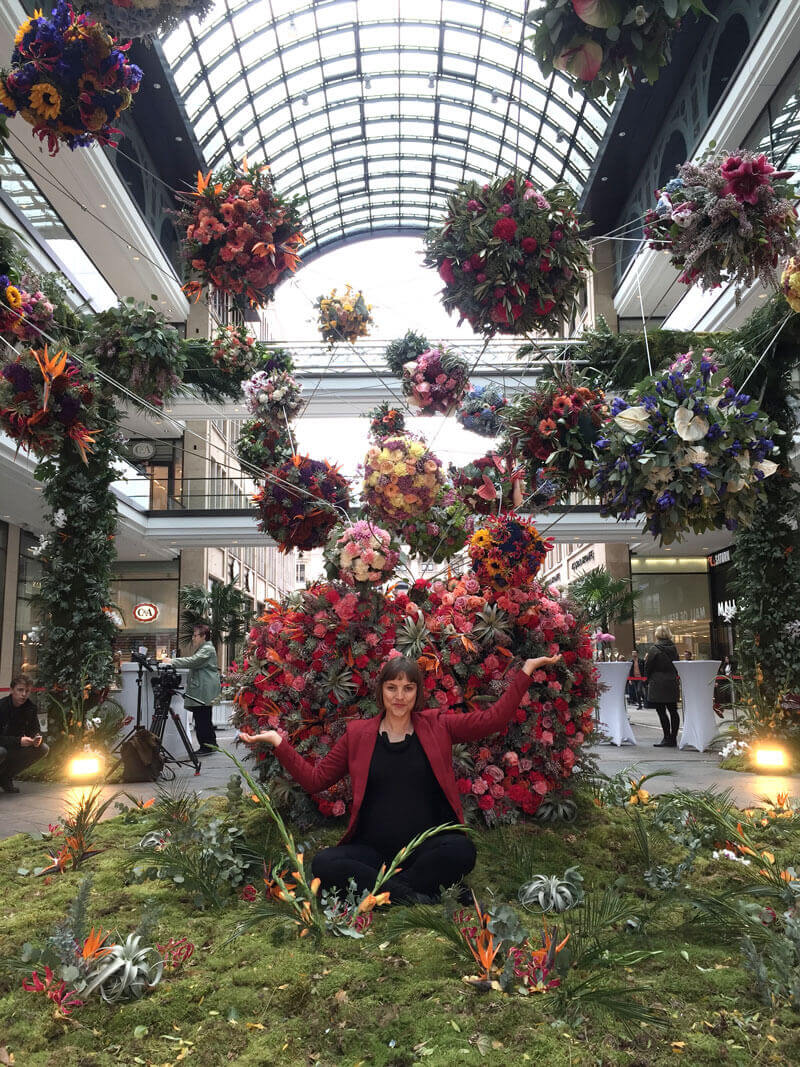 Blumenarrangement in der Mall of Berlin