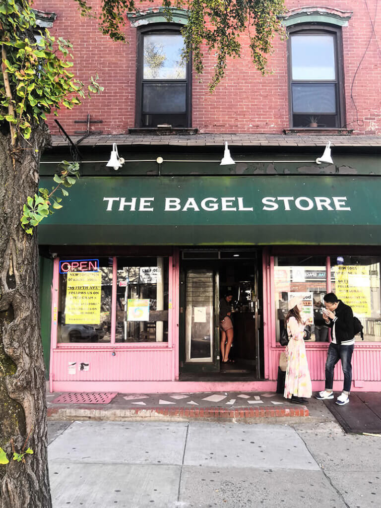 Foodtrend: Die besten Rainbow Bagels in den New York Highlights