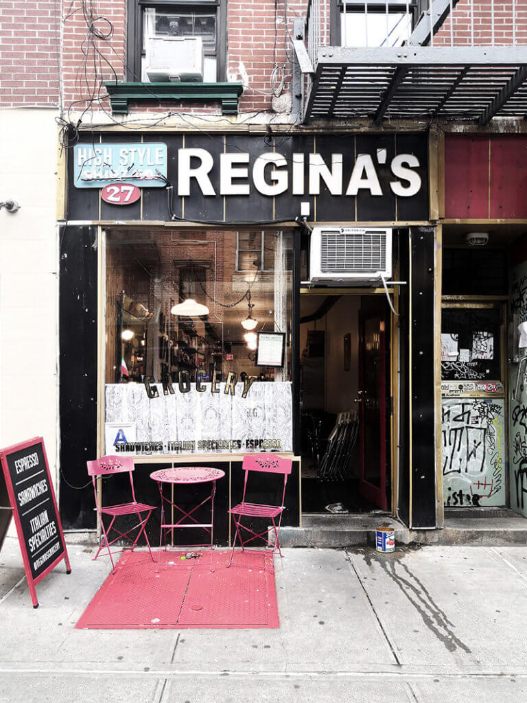 Reginas New York: Hip Hop und sandwiches im Reginas