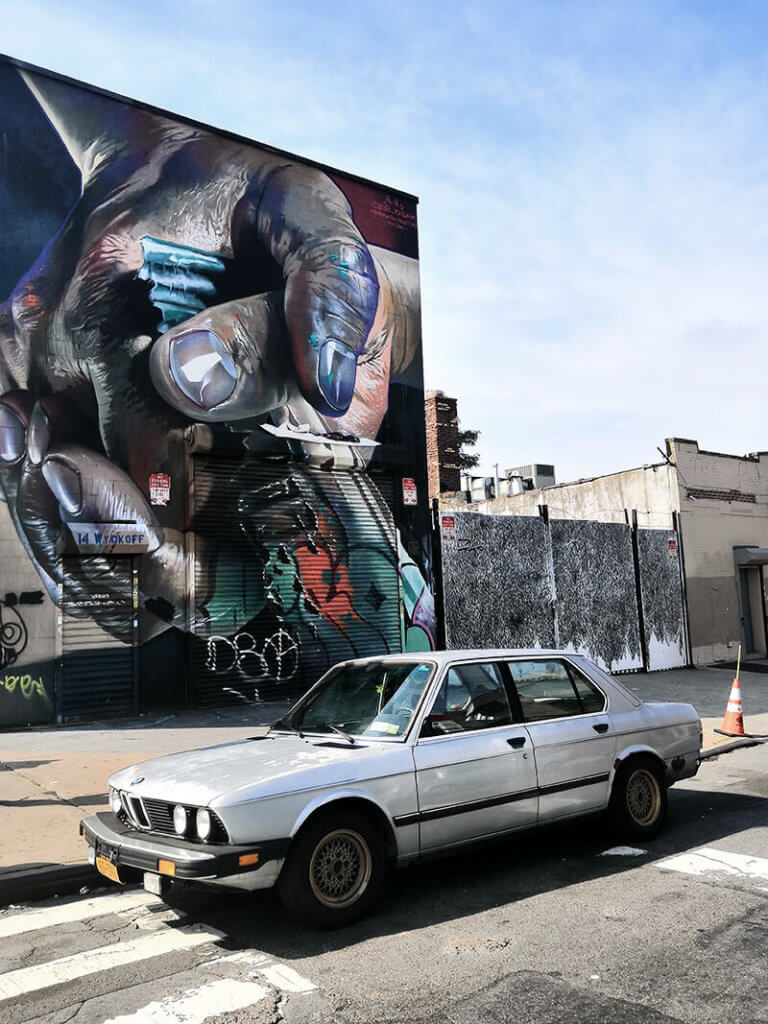 Grafitti und Street Art von Maclaim in New York Bushwick